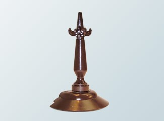 Spider with finial in brown